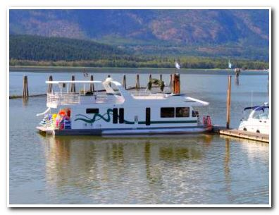 Houseboat Installations